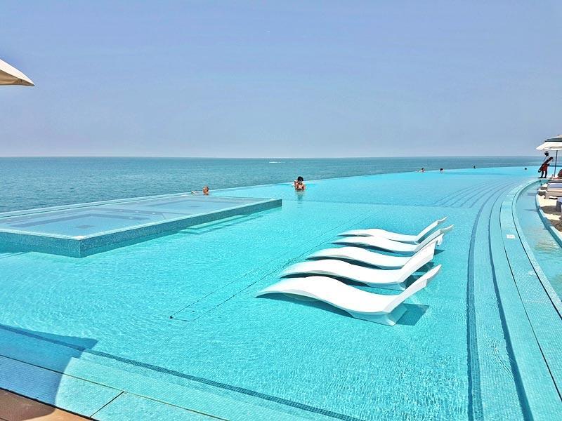 Bể bơi vô cực Burj Al Arab